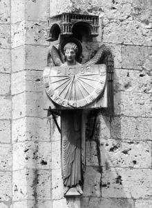 Anděl času v Chartres, foto: Václav Cílek