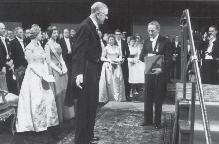 Předávání Nobelovy ceny J. Heyrovskému (Stockholm, 1959).